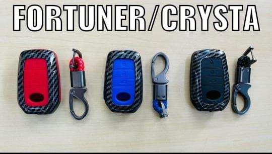 black-carbon-fiber-silicon-car-key-cover-toyota-innova-crysta-fortuner
